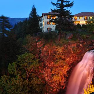 Columbia Cliff Villas Hotel | Hood River | Photo Gallery - 1